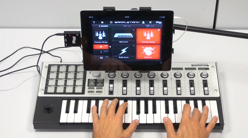 iRig MIDI in action with SampleTank and GarageBand