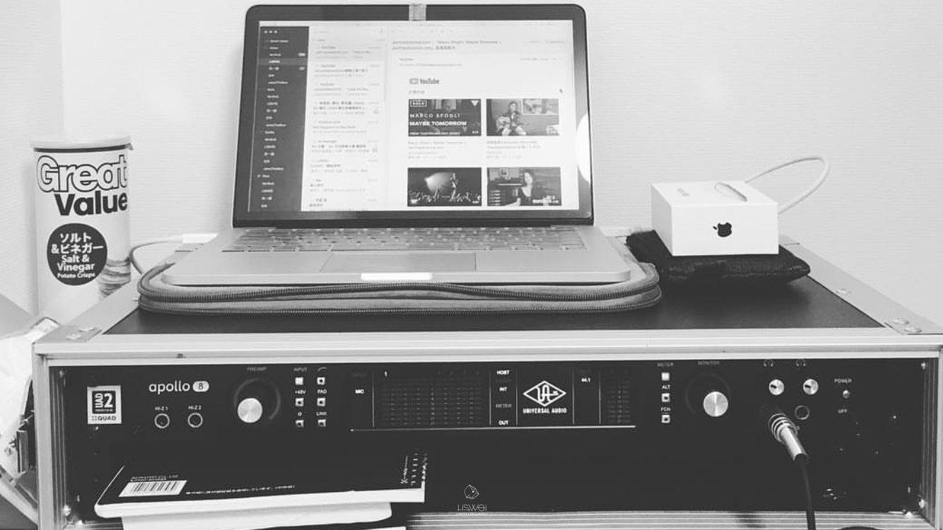 UNIVERSAL AUDIO 的 Aopllo 系列見面也是個不錯的選擇,適合給喜歡用好東西的朋友們。( 我個人目前家裡跟工作室都是使用 Apollo 系列的錄音介面,所以也推薦給你 )