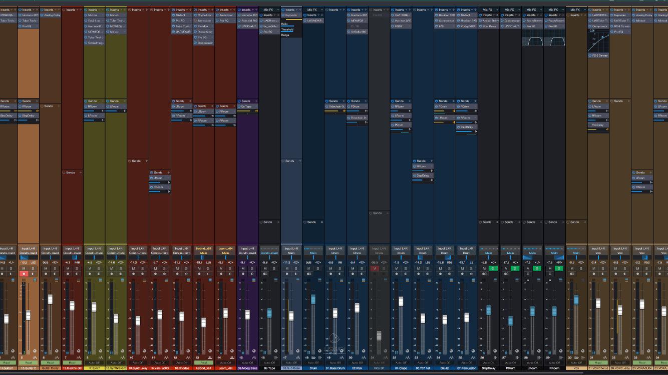 """在目前我所使用的 3 套軟體中,最喜歡的混音視窗就屬 Studio One 最方便快速了!如果你是個 """"錄音掛的"""" 分常推薦你使用 Studio One 這套軟體( 但在 Studio One 3 的某個版本...有時使用或是移除 Plug-ins 時會有崩潰的現象 )"""